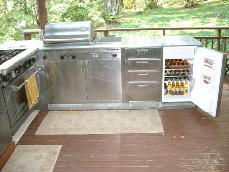 With A Name Like Bear And An Outdoor Kitchen Like This Why Would This Man  Ever Set Foot In The House Again? Aaargh!