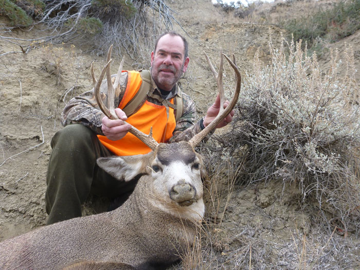 Jim Heins with his Montana mule deer - photo by Rob Endsley