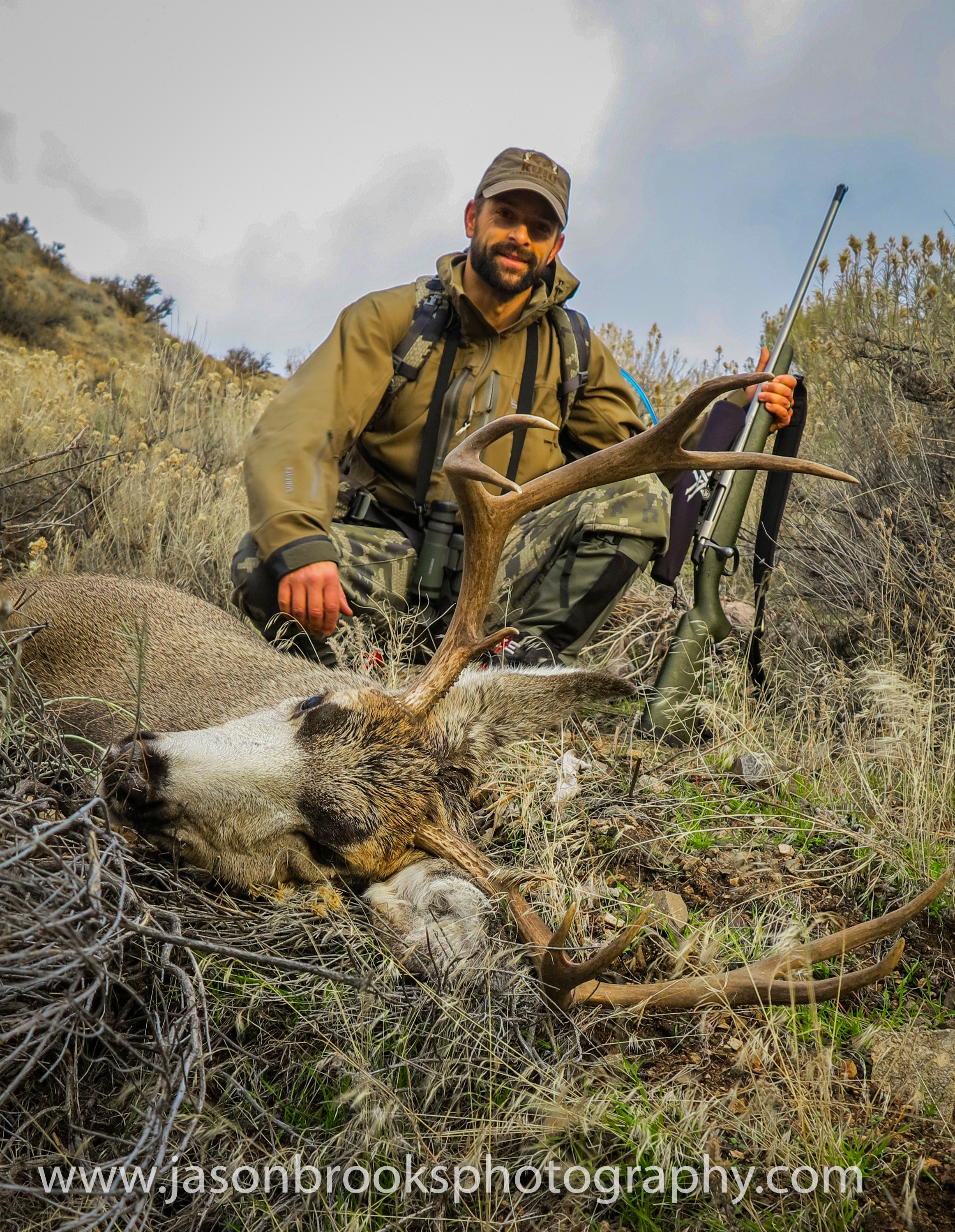 Kyle Hurst with his Idaho Mule Deer-Jason Brooks